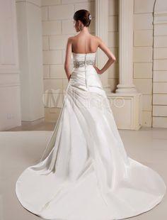 Vestido de novia de satén con escote palabra de honor