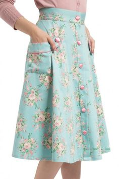 39 Women Skirts You Will Want To Keep - Fashion New Trends Cute Fashion, Modest Fashion, Fashion Dresses, Skirt Outfits, Dress Skirt, Vintage Inspired Fashion, Mode Hijab, Modest Dresses, Ladies Dress Design