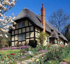 "Na foto ""cottage"" (casa camponesa) em Spring-Garden, Inglaterra."
