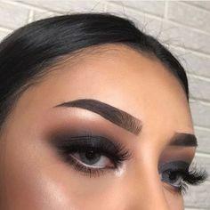 Gorgeous Makeup: Tips and Tricks With Eye Makeup and Eyeshadow – Makeup Design Ideas Kiss Makeup, Cute Makeup, Eyebrow Makeup, Gorgeous Makeup, Pretty Makeup, Hair Makeup, Makeup Eyebrows, Baddie Makeup, Prom Makeup