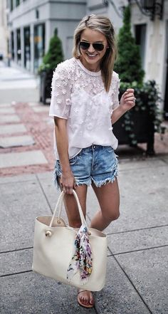 Love the top, outfit is cute (although I would prefer shorts longer) ♕pinterest/amymckeown5