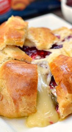 Cranberry and Brie Baked Cheese Appetizer (Brie en Croute) - try other spreadable fruit options