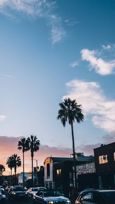 I'm starting to like landscape wallpaper❤️ they're so fancy Wallpaper Travel, Usa Wallpaper, Venice Wallpaper, View Wallpaper, Beautiful World, Beautiful Places, Romantic Places, Beautiful Sunset, The Places Youll Go