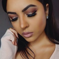 Baby its cold outside, but @stephie.b_ is on fire wearing our Warm Neutrals palette! // #sigmabeauty