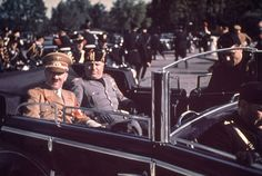 Hugo Jaeger is the former personal photographer of Adolf Hitler. He travelled with Hitler in the years leading up to and throughout World Wa. The Third Reich, Luftwaffe, World History, Ww2 History, History Books, Military History, Military Photos, Churchill, Color Photography