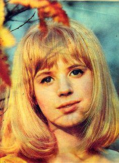 Marianne faithfull looks i love pinterest marianne faithfull fabulous pin up 1965 altavistaventures Choice Image