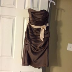 """Gorgeous Alfred Angelo strapless dress Beautiful Alfred Angelo strapless dress. Colors are mocha with champagne accents. Can be worn to any dressy occasion!  Size 4. Only worn once. Very figure flattering. $200 new. Length hits around knee length on 5'2"""" girl Alfred Angelo Dresses Strapless"""