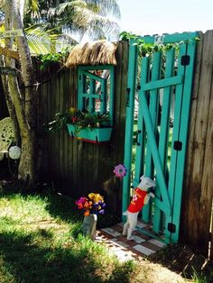 """Beautiful! garden illusion door window. . . installed a mirror on the fence 24""""x 72"""" and I build the frame door. Same thing for the window."""