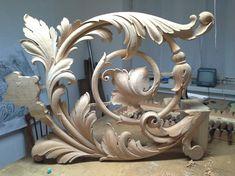 Wood Carving Designs, Wood Carving Art, Wooden Art, Wooden Crafts, Filigree Tattoo, Pillar Design, Wood Appliques, Plaster Art, Art Furniture