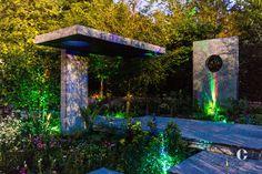 Ce jardin a été conçu pour la célèbre exposition de fleurs de Chelsea. On aime le design hors du commun et l'avant-gardisme de cette création mélangée aux produits à changement de couleur !