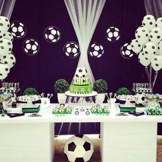 Fiesta temática de deportes para hombres de 18 años Soccer Birthday Parties, Football Birthday, Birthday Table, Soccer Party, 50th Birthday Party, Birthday Party Decorations, Boy Birthday, Party Themes, Soccer Banquet