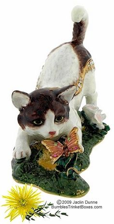 Trinket Box: Cat Playing With Butterfly