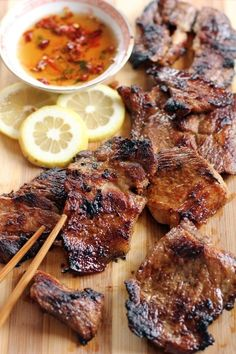 Vietnamese Style Grilled Lemongrass Pork Ang Sarap - Thit Heo Nuong Xa Or Vietnamese Style Grilled Lemongrass Pork Are Grilled Pork Pieces Usually Served As A Side Dish To Fried Noodle And Noodle Soups These Addictive Meat Dish Are Sweet And Savoury An Pork Recipes, Asian Recipes, Cooking Recipes, Chef Recipes, Chicken Recipes, Cooking Games, Recipes Dinner, Grilled Recipes, Cooking Bacon