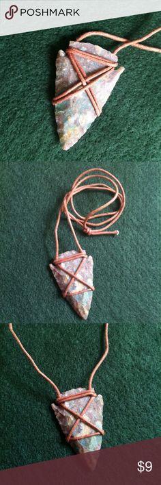 Summer Sale>> Arrowhead Necklace Stone cut arrowhead necklace. Very neat piece for festival wear, tribal gypsy look Vintage Jewelry Necklaces