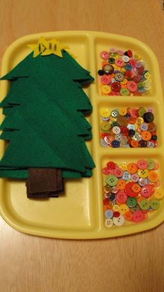 pre-cut felt trees, then let the kiddos sew or glue on buttons as ornaments- cute craft idea for a kids Christmas party Noel Christmas, Christmas And New Year, Winter Christmas, All Things Christmas, Christmas Ideas, Kids Christmas Games, Christmas Crafts For Kids To Make At School, Christmas Party Activities, Christmas Dresses