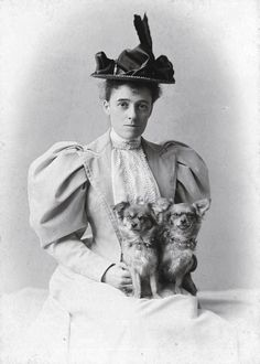 Writer Edith Wharton and her dogs in Rhode Island.