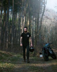 #motorcycleculture #culturamotera | caferacerpasion.com                                                                                                                                                                                 Más