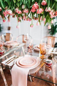 Wedding Reception Decorations, Wedding Table, Table Decorations, A Little Party, Wedding Place Settings, Dinner Themes, 21st Birthday, Pink Birthday, Birthday Ideas