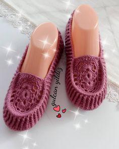 Best 12 Guten Tag, hoffe ich … # booties # shoesman # bride # g … Crochet Socks Pattern, Knit Headband Pattern, Shoe Pattern, Sweater Knitting Patterns, Knitted Headband, Knitting Socks, Crochet Bowl, Knit Or Crochet, Cute Crochet