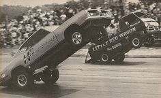 The Hemi Hurst Cuda and the Little Red wagon.   Classic when these cars were the best in the business Little Red Wagon, Nhra Drag Racing, Old Race Cars, Hot Rides, Vintage Race Car, Drag Cars, Car Humor, Old Trucks, Top Gear
