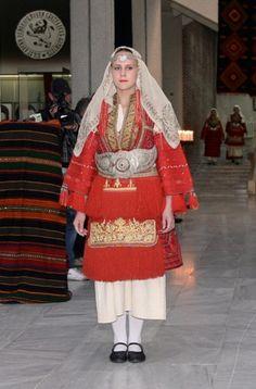 "Fashion show ""Momina Ruba"" - co-produced by the Regional History Museum of Blagoevgrad, Folklore Ensemble of Pirin. The second part of the show demonstrates the characteristics of folk costume of Bansko, Razlog, Sandanski, Blagoevgrad, Bulgaria / 13 costumes [https://www.youtube.com/watch?v=lu0w0fLQpoI]"