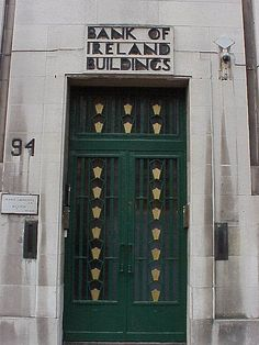Main entrance to the Bank of Ireland Buildings in the Northern Irish capital city of Belfast. Modern Entrance Door, Main Entrance, Entrance Doors, Doorway, Entrance Ways, Front Doors, Portal, Art Deco Buildings, Art Deco Pattern
