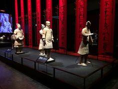 Kejser Qin og terrakottahæren er den første særudstilling på det nye Moesgaard Museum og viser mere end 120 genstande fra det enorme underjordiske gravpalads, som Kejser Qin lod bygge som et monument for sin storhed i Kina. Aarhus, Museum, Hu Ge, Museums
