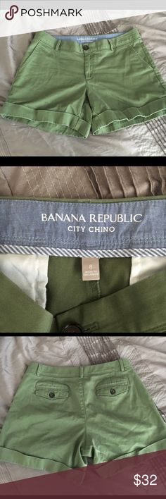 Banana Republic City Chino Shorts, 8, Olive Banana Republic City Chino Shorts, 8, cuffed, Olive green. Washed according to instructions. Smoke and per free. Banana Republic Shorts