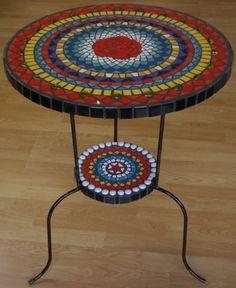 tafel met roos keramisch mozaiek  70 x 52 x 52 cm
