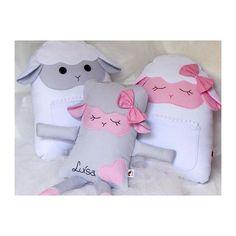 #mulpix Quem aí também é apaixonado por essas ovelhinhas?   #lulinharte  #love  #lovely  #muitoamor  #dream  #ovelha  #almofadas  #enxovalbebe  #decor  #decoração  #baby  #bebe  #girl  #menina  #boy  #menino  #mae  #mom  #maternidade