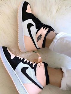 Sneakers Shoes, Cute Sneakers, Sneakers Fashion, Converse Shoes, Sneakers Adidas, Jordans Sneakers, Sneakers Women, Nike Air Jordans, Kd Shoes