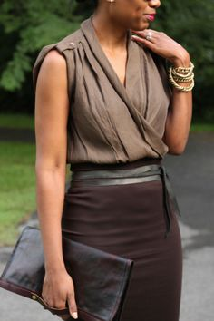 Beaute' J'adore: DIY Quick and Easy High Waisted Pencil Skirt ~ strictly a tute here but so lovely, putting it into patterns ~ the skirt, top, clutch and belt are all DIY