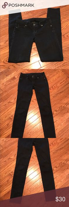 "Genetic Black The Shane Jeggings -Genetic Denim -Jeggings, Skinny Leg Cut -Black -Low Waist -31"" Inseam, 5"" Rise, 25"" Waist  -98% Cotton, 2% Polyurethane  -Excellent condition Genetic Denim Jeans Skinny"