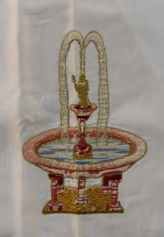 Pozo de aguas vivas (símbolo de las letanías de la Virgen) bordado de la cama de María diseñado por Pedro Ibarra en 1924.