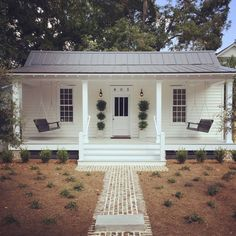 Restored 1889 Historic Cottage - Houses for Rent in Beaufort