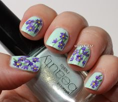 Flowers in the shimmery mint