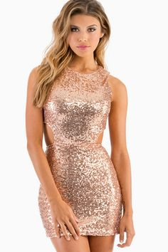 I'm my figure shape could fit nicely in this dress ,  I think  I would wear it to everything. (Yez Dress)