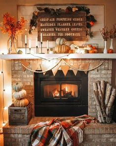 Thanksgiving Decorations, Seasonal Decor, Fall Decorations, Fall Room Decor, Fall Decor For Mantel, Fall Fireplace Decor, Kitchen Ikea, Home Decoracion, Deco Retro