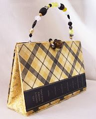 Love re-purposed old books into purses