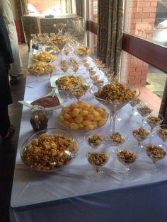 Chaat: What it is and How You Can be a Chaat Party Bawse – The Teal Mango – Appetizers Indian Appetizers, Indian Snacks, Indian Food Recipes, Wedding Buffet Food, Wedding Catering, Food Buffet, Buffet Ideas, Buffet Tables, Party Snacks