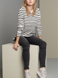 Loving this casual yet sporty back to school look featuring a striped crewneck tee and sneakers.