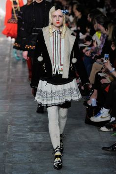 See the complete Meadham Kirchhoff Fall 2011 Ready-to-Wear collection.