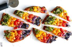 Taste the rainbow with this delicious veggie pizza recipe! All you is 10 minutes of prep time for this delicious Rainbow Veggie Pizza. Think Food, I Love Food, Good Food, Yummy Food, Vegetarian Recipes, Cooking Recipes, Healthy Recipes, Pizza Recipes, Shrimp Recipes