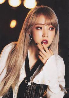 » FY! MOONBYUL Kpop Girl Groups, Korean Girl Groups, Kpop Girls, Super Junior, K Pop, Lisa Black Pink, Rapper, Wheein Mamamoo, Soyeon