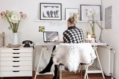 The perfect home office is both comfortable and conducive to productivity. Here's how to create a home office that's right for you.