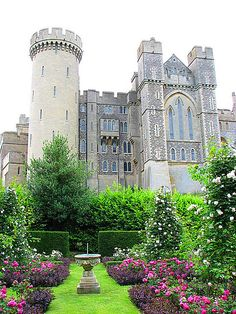 I was beyond delighted to discover family connections to one of my all-time favorite castles - Arundel Castle (1067) in Arundel, West Sussex, England. Isn't it gorgeous?