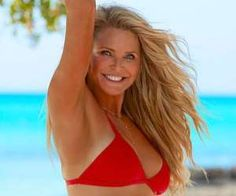 Why Christie Brinkley Posing for SI's Swimsuit Issue at 63 Is a Big Deal - Greatist