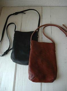 KD shoulder bag from Truck Furniture Small Leather Bag, Leather Pouch, Leather Purses, Leather Shoulder Bag, Leather Handbags, Leather Bags, Leather Bag Tutorial, Gypsy Bag, Fur Bag
