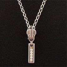 Easy Jewelry DIY Tutorial: Zipper Necklace