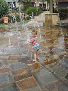 Backyard water feature for kids splash pad 15 Ideas for 2019 Backyard Splash Pad, Backyard Water Feature, Outdoor Fun, Outdoor Spaces, Outdoor Ideas, Outdoor Living, Backyard Playground, Backyard Ideas, Playground Ideas